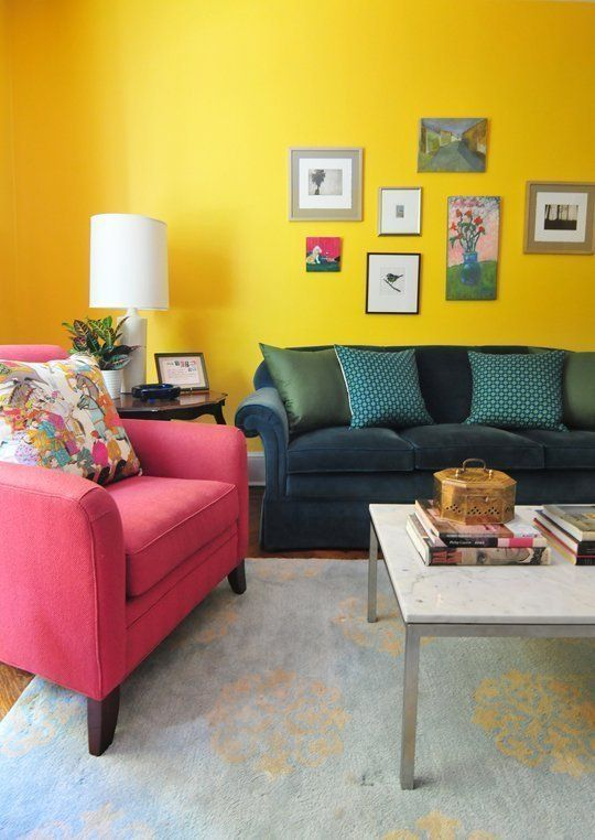 Decora tu casa para recibir la primavera sin gastar mucho Bright yellow wall paint