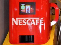 """Happy Check-in Machine"" máquina expendedora que a cambio de un check-in, te regala un café"