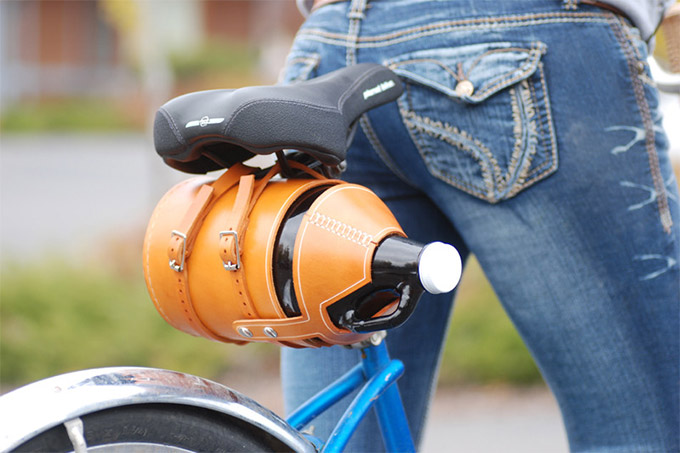 Leather-Bike-Growler-Carrier