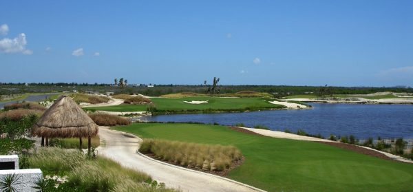 Riviera Cancun Signature Hole #4_2