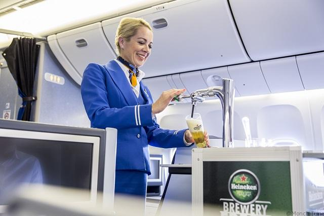 World first_KLM and Heineken introduce draught beer trolley on board