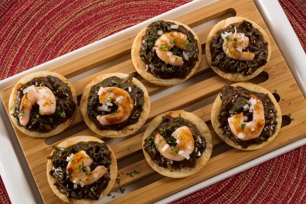 Buñuelitos de camarón y mole (2)