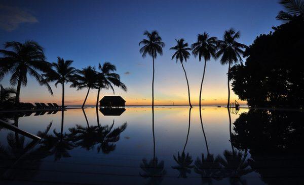 meeru-island-sunrise-in-the-maldives-1292013-174817_horiz-large