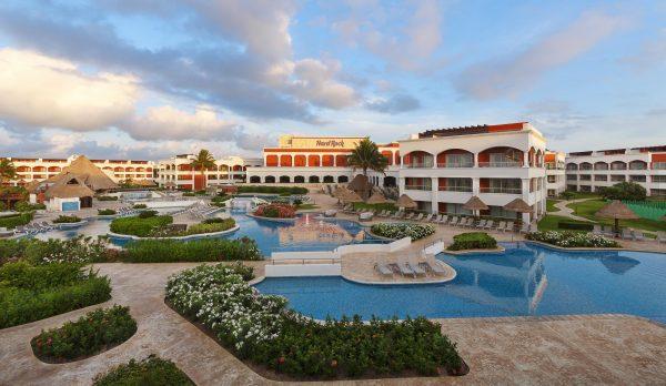 Hacienda Pools